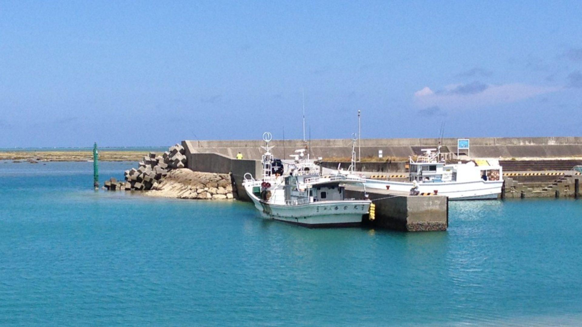 奥武島海底観光グラスボート